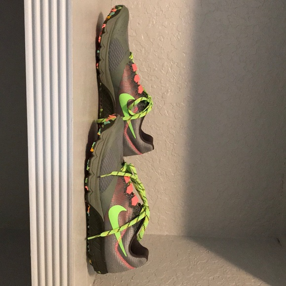 Nike Shoes - Women's brand new Nike trail size 9 1/2